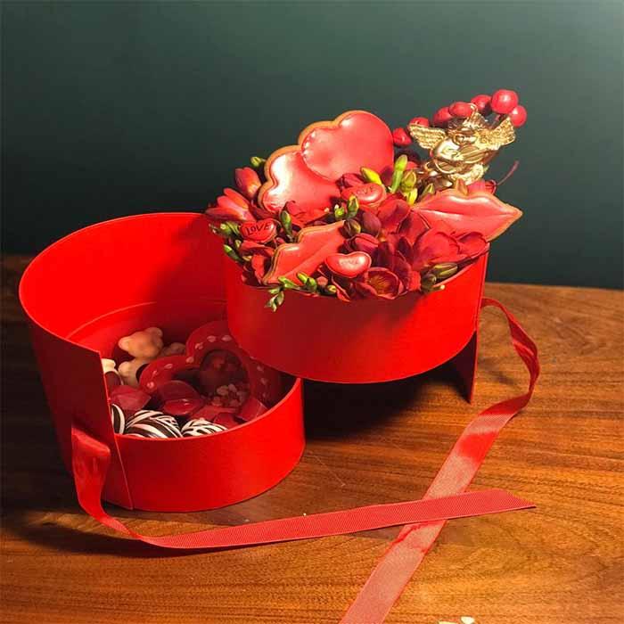 باکس تلفیقی گل و شکلات